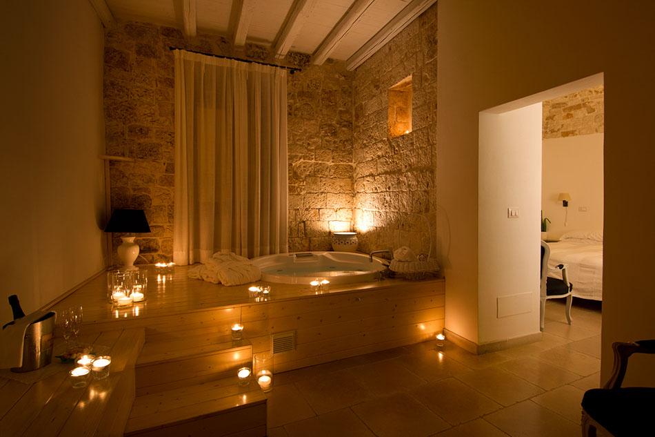 Luxury offerte speciali hotel 4 stelle relais corte altavilla relais puglia hotel benessere - Vasca da bagno in camera ...